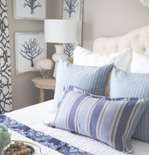 summer-decorating-with-pillows
